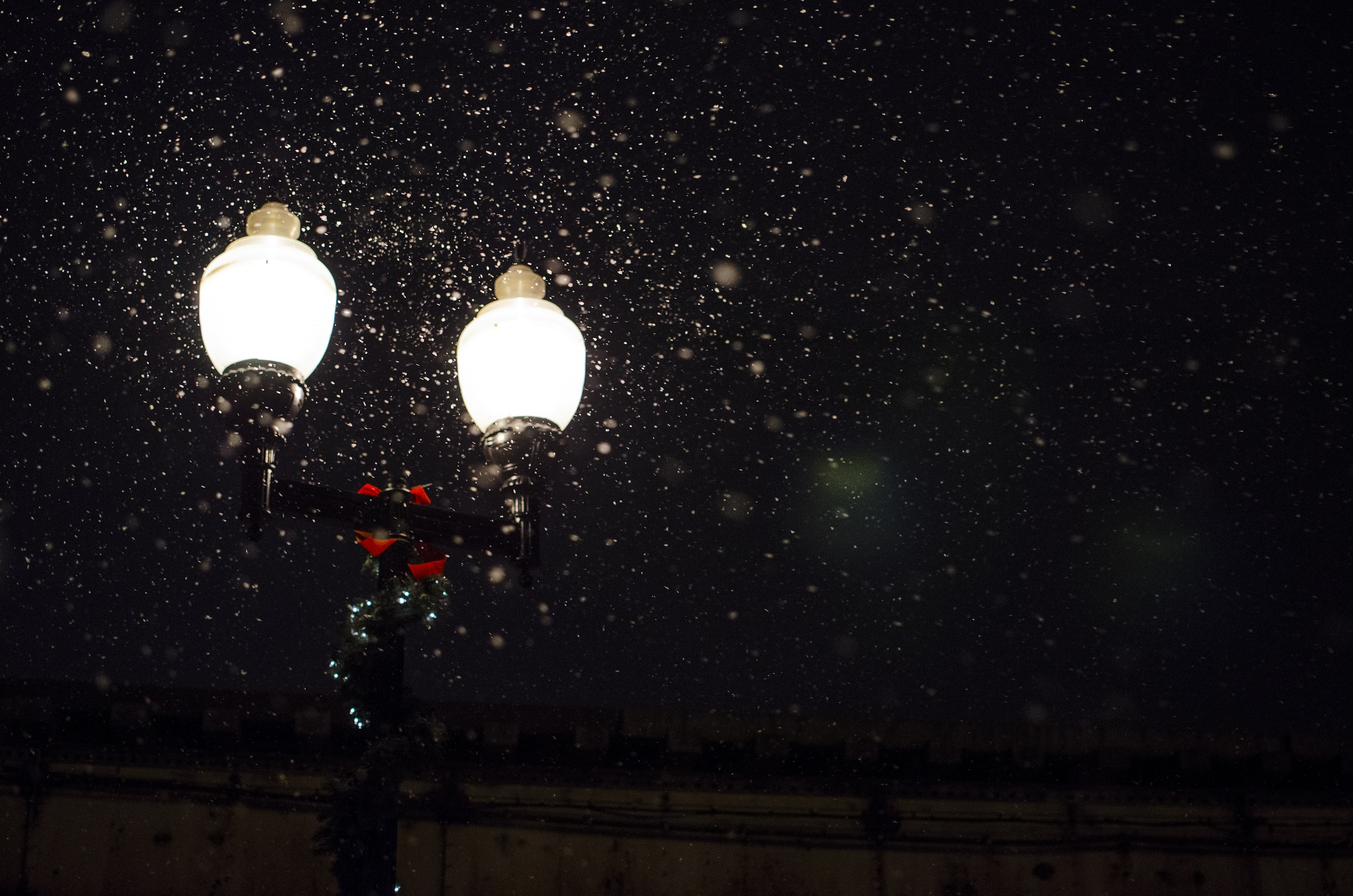 street-lamps-in-snow