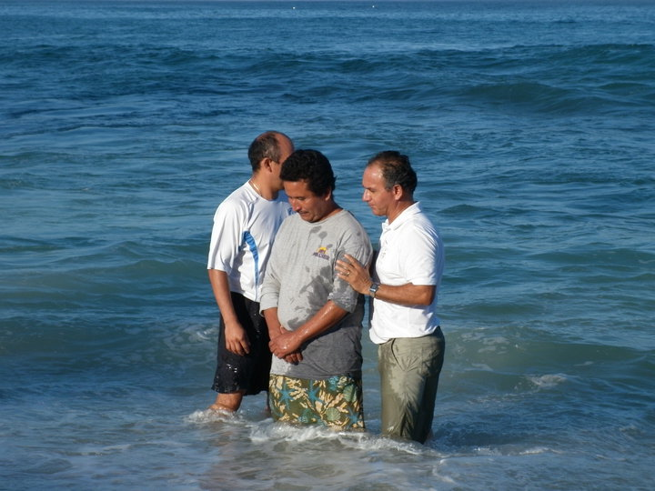 Art baptizes a fellow Hispanic believer
