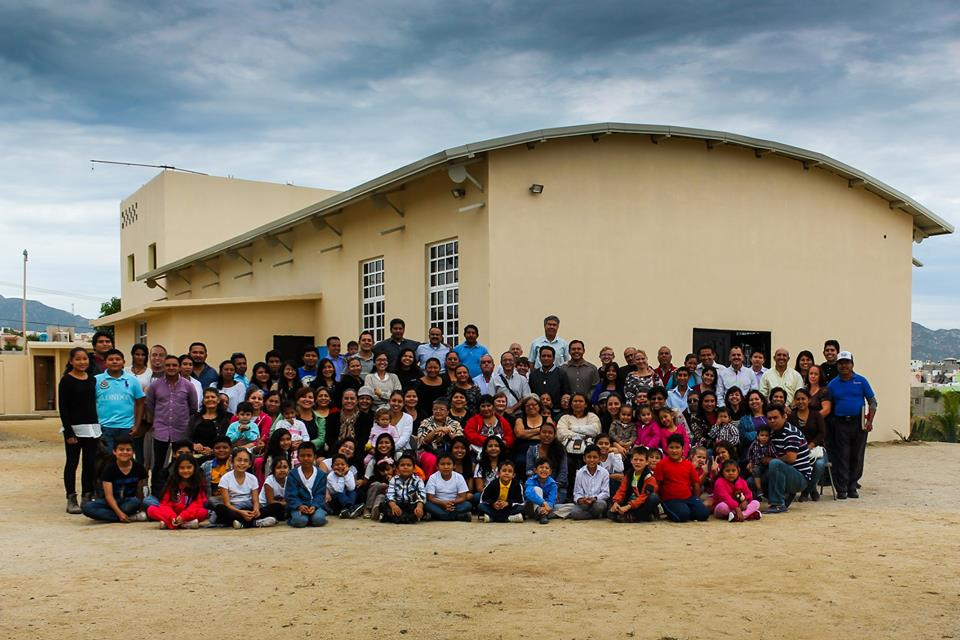 Group picture of the Emmanuel Church congregation, planted by TEAM missionaries